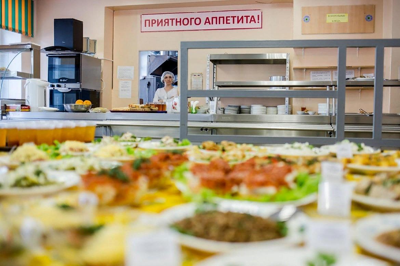 Попрятались в кусты: Чиновники Петербурга «забили» на проблемы соцпита